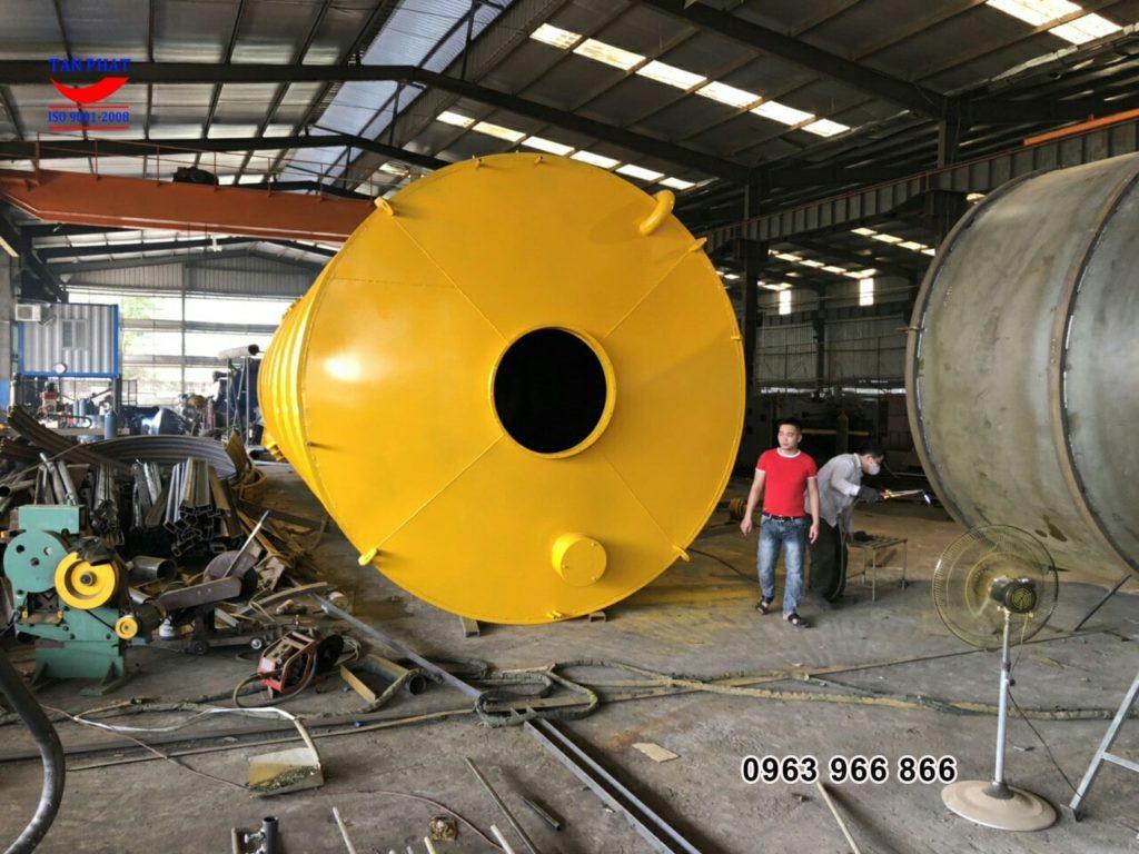 silo chứa màu vàng