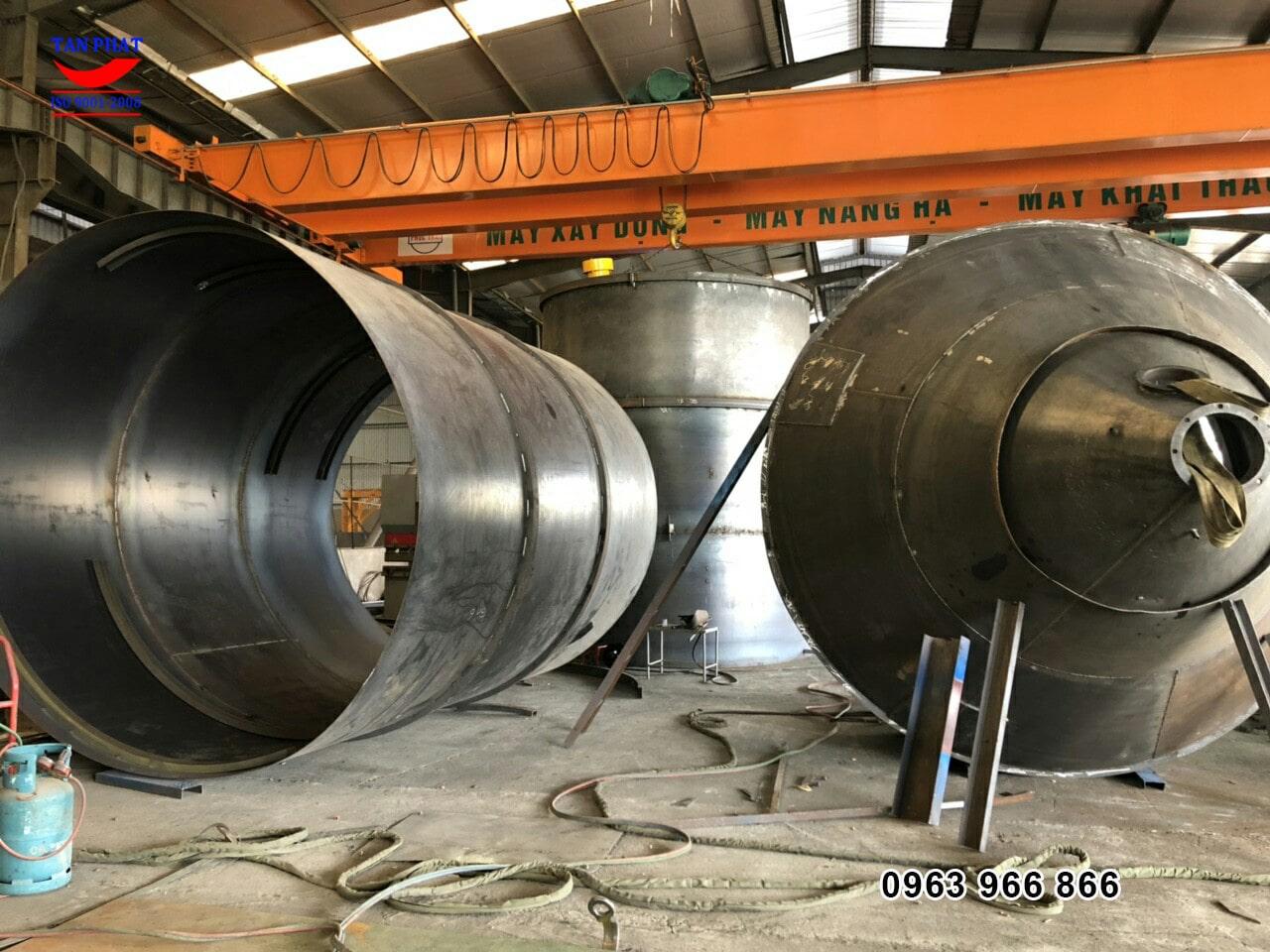silo được sản xuất tại nhà máy.